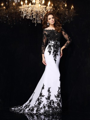 Sheath/Column Chiffon Scoop Long Sleeves Lace Court Train Dresses