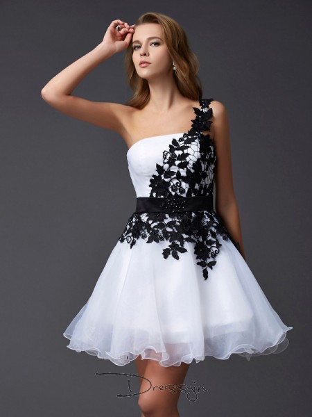 A-Line/Princess One-Shoulder Lace Sleeveless Organza Short Dresses