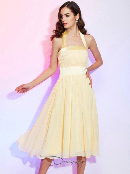 A-Line/Princess Halter Pleats Sleeveless Chiffon Knee-Length Dresses