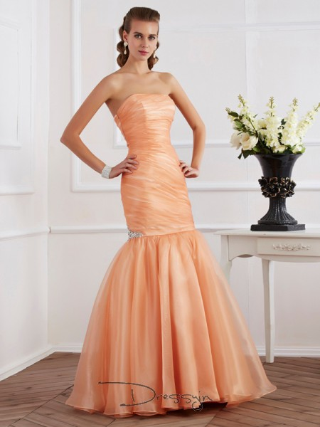 Trumpet/Mermaid Strapless Beading Sleeveless Tulle Long Dresses