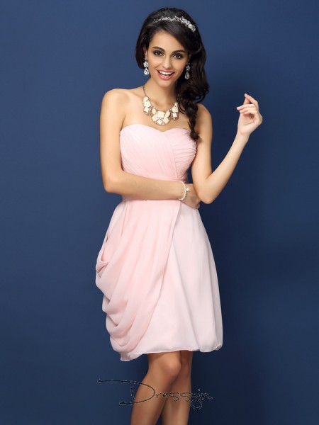 Sheath/Column Sleeveless Sweetheart Pleats Chiffon Short Bridesmaid Dresses
