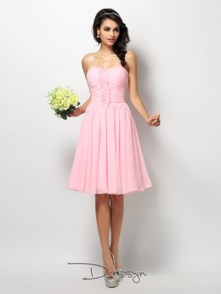 A-Line/Princess Sleeveless Strapless Pleats Chiffon Knee-Length Bridesmaid Dresses