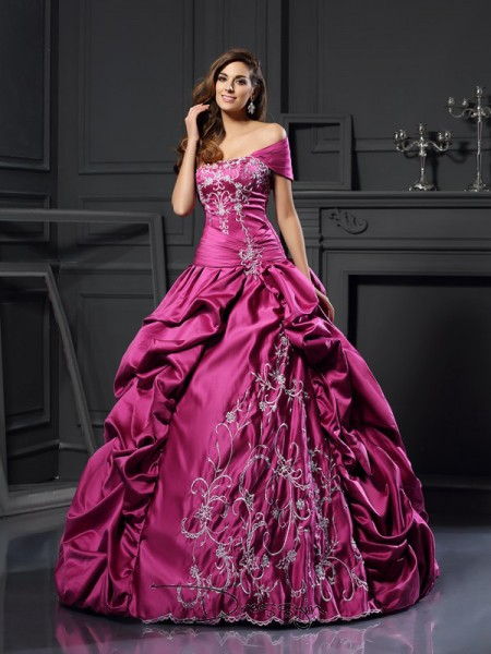 Ball Gown Sleeveless Sweetheart Applique Satin Long Dresses