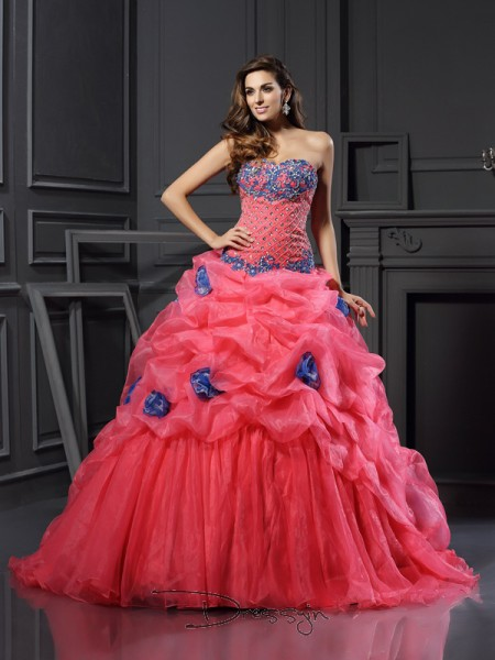 Ball Gown Sleeveless Sweetheart Beading Organza Chapel Train Dresses