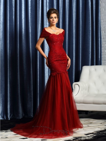 Trumpet/Mermaid Short Sleeves Off-the-Shoulder Beading Satin Long Mother of the Bride Dresses