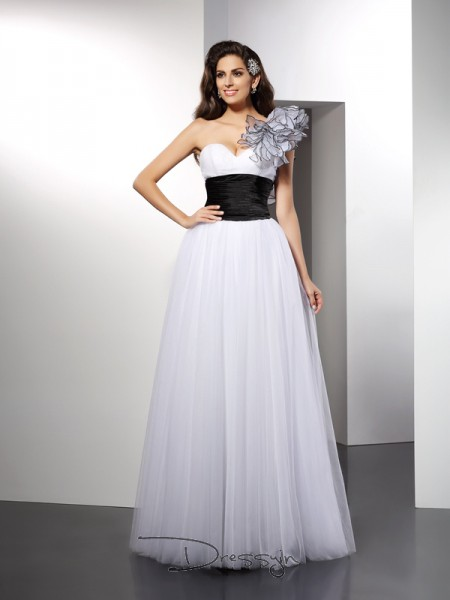 A-Line/Princess Net One-Shoulder Sleeveless Sash/Ribbon/Belt Long Dresses