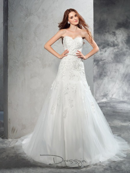 Sheath/Column Satin Sweetheart Sleeveless Applique Court Train Wedding Dresses