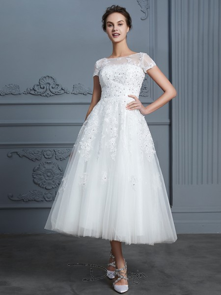 A-Line/Princess Tulle Short Sleeves Beading Scoop Tea-Length Wedding Dresses