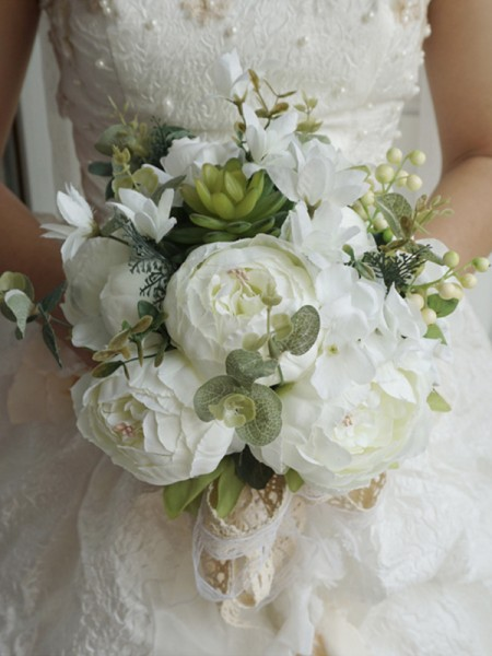 Free-Form Silk Flower Beautiful Bridal Bouquets