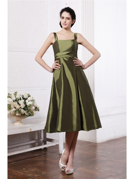 A-Line/Princess Square Ruffles Sleeveless Taffeta Knee-Length Bridesmaid Dresses