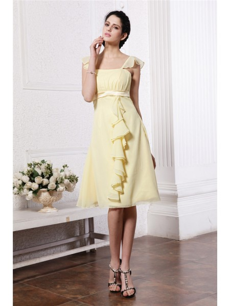 A-Line/Princess Straps Ruffles Ruched Sleeveless Chiffon Knee-Length Bridesmaid Dresses
