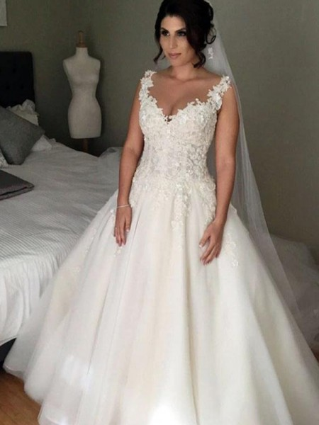 Ball Gown V-neck Applique Sleeveless Tulle Court Train Wedding Dresses