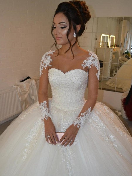Ball Gown Scoop Applique Long Sleeves Tulle Court Train Wedding Dresses