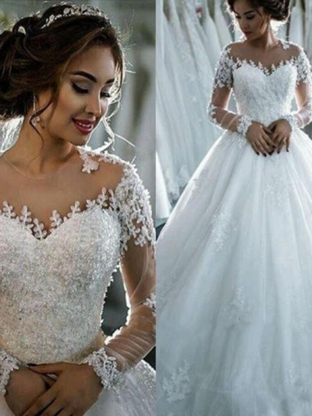 Ball Gown Bateau Beading 3/4 Sleeves Tulle Court Train Wedding Dresses