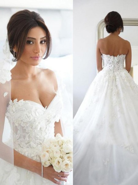 Ball Gown Sweetheart Applique Sleeveless Tulle Long Wedding Dresses