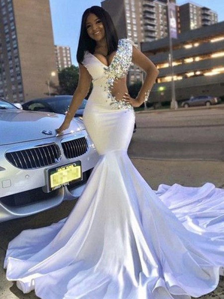 Trumpet/Mermaid Sleeveless Beading Satin V-neck Court Train Dresses
