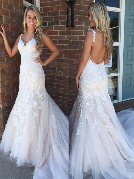 Trumpet/Mermaid Tulle Applique Sleeveless V-neck Long Wedding Dresses