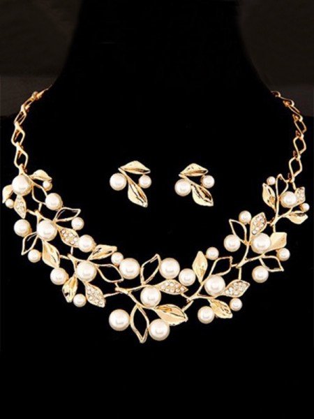 Attractive Alloy With Pearl Ladies's Jewelry Set