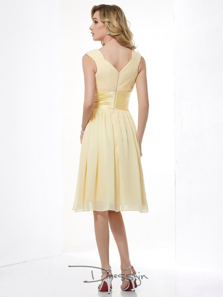 A-Line/Princess Straps Pleats Sleeveless Chiffon Knee-Length Dresses