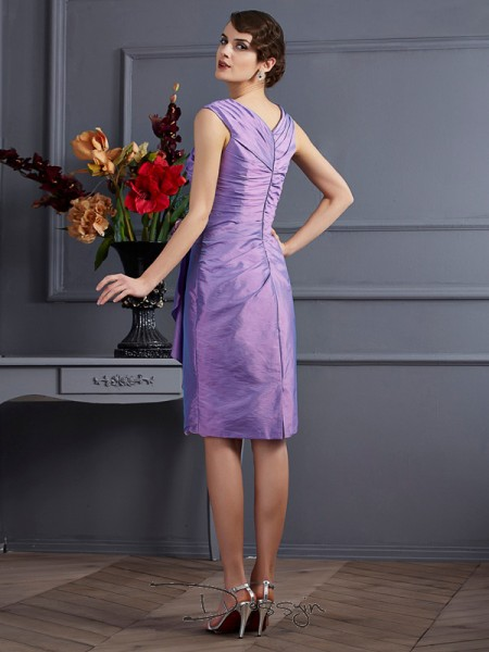 Sheath/Column Applique Sleeveless Taffeta Knee-Length Bridesmaid Dresses