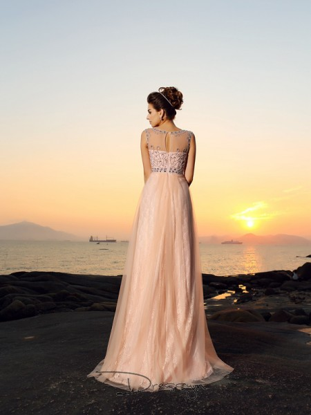 A-Line/Princess Sleeveless Bateau Lace Chiffon Long Dresses