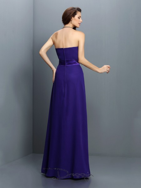 A-Line/Princess Sleeveless Sweetheart Pleats Chiffon Long Bridesmaid Dresses