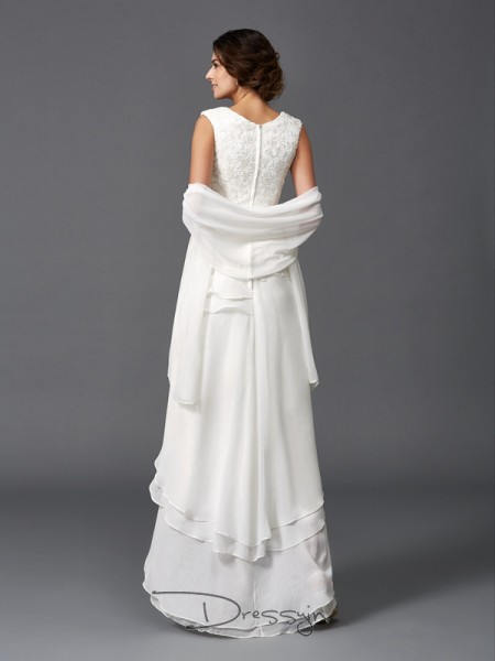 A-Line/Princess Chiffon Scoop Sleeveless Lace High Low Mother of the Bride Dresses