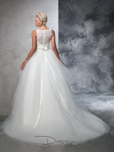 Ball Gown Net Bateau Sleeveless Applique Chapel Train Wedding Dresses