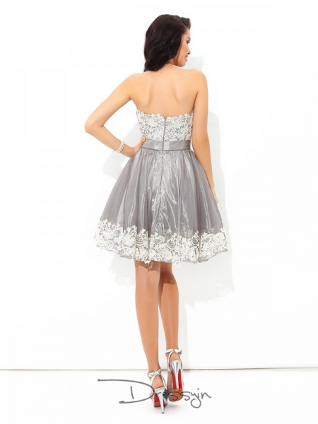 A-Line/Princess Tulle Sweetheart Sleeveless Lace Short Dresses