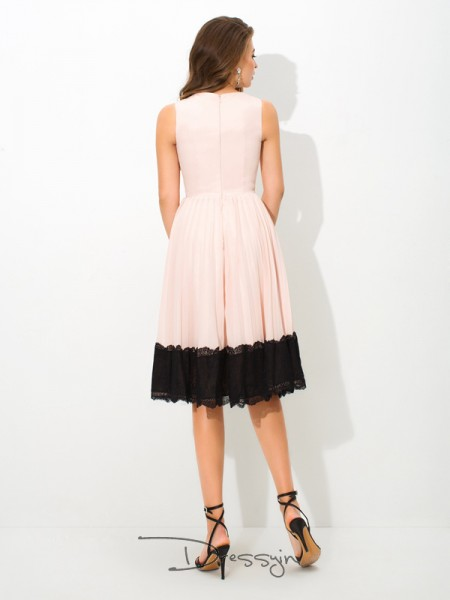 A-Line/Princess Chiffon High Neck Sleeveless Lace Tea-Length Dresses