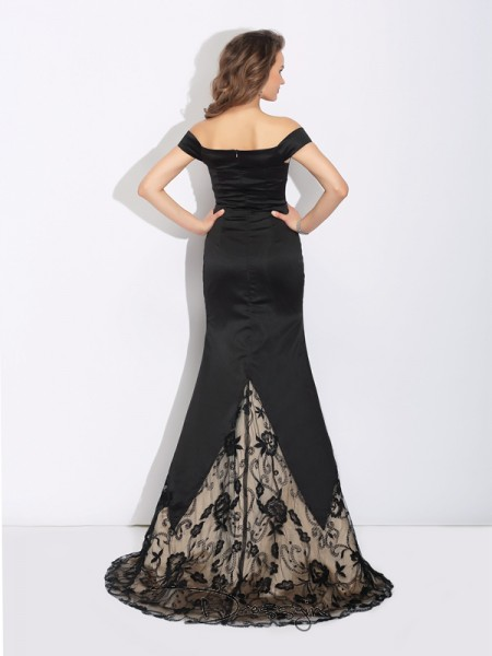 Trumpet/Mermaid Satin Off-the-Shoulder Sleeveless Lace Long Dresses