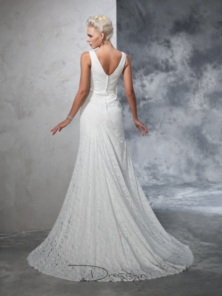 Trumpet/Mermaid Lace V-neck Sleeveless Lace Court Train Wedding Dresses