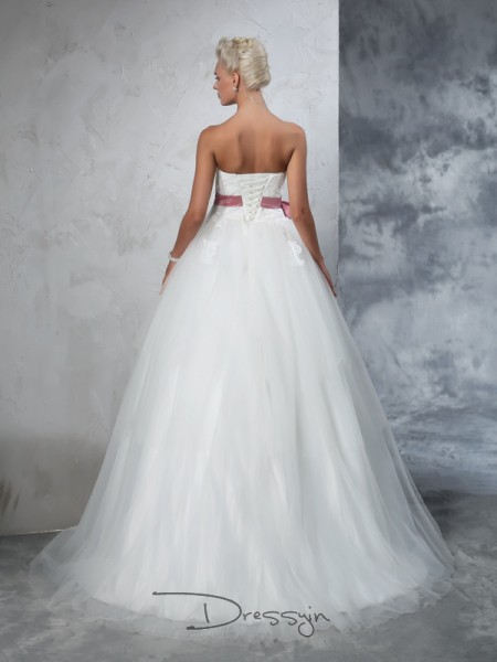 Ball Gown Net Strapless Sleeveless Bowknot Court Train Wedding Dresses