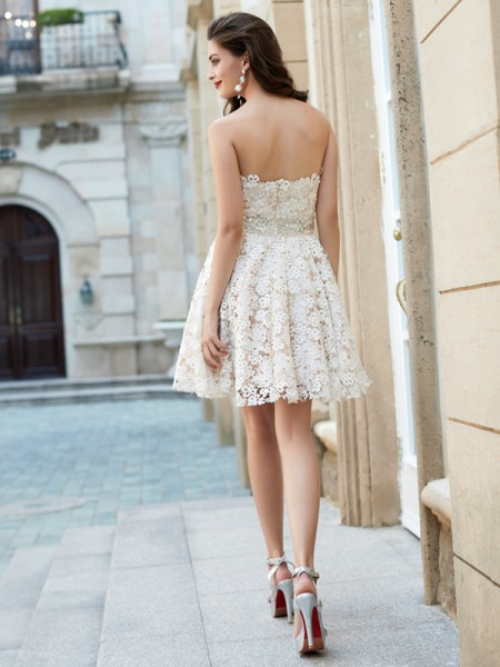 A-Line/Princess Sweetheart Lace Sleeveless Rhinestone Short Dresses