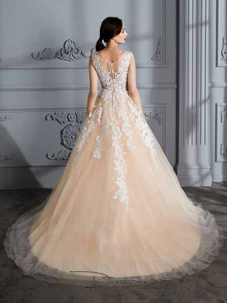 Ball Gown Tulle Sleeveless Scoop Court Train Wedding Dresses