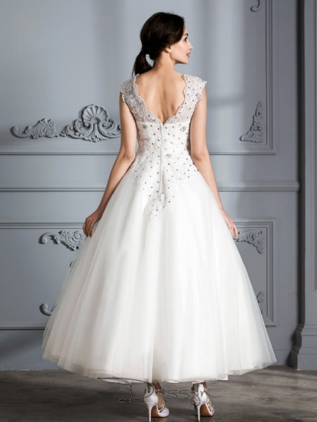 Ball Gown Tulle Sleeveless Scoop Tea-Length Wedding Dresses