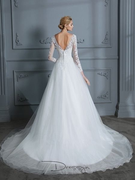 Ball Gown Tulle Long Sleeves Lace V-neck Court Train Wedding Dresses