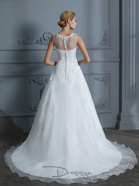 Ball Gown Tulle Sleeveless Applique Scoop Court Train Wedding Dresses