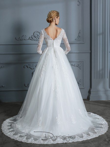 Ball Gown Tulle 3/4 Sleeves Lace V-neck Court Train Wedding Dresses