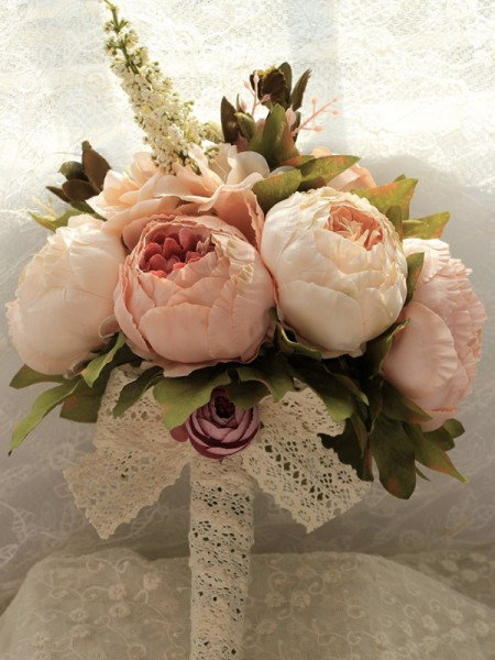 Free-Form Silk Flower Graceful Bridal Bouquets