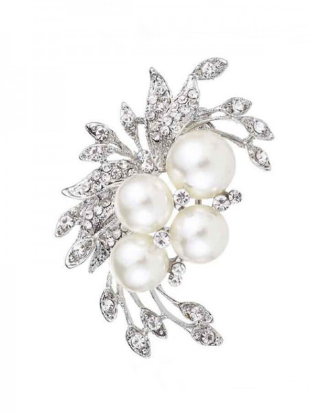Flower Shaped Alloy With Rhinestone/Imitation Pearl Womens Brooch