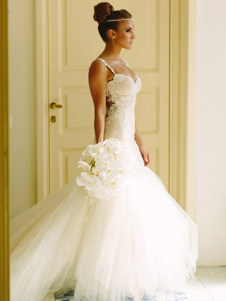 Trumpet/Mermaid Spaghetti Straps Applique Sleeveless Tulle Court Train Wedding Dresses