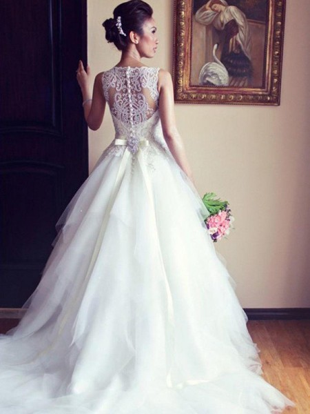 A-Line/Princess Scoop Beading Sleeveless Tulle Chapel Train Wedding Dresses