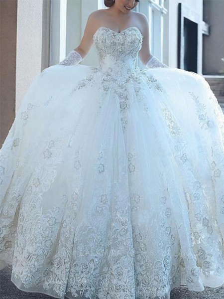 Ball Gown Sweetheart Applique Sleeveless Tulle Cathedral Train Wedding Dresses