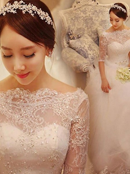 Trumpet/Mermaid V-neck Lace 3/4 Sleeves Tulle Court Train Wedding Dresses