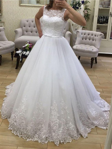 Ball Gown Scoop Applique Sleeveless Tulle Court Train Wedding Dresses