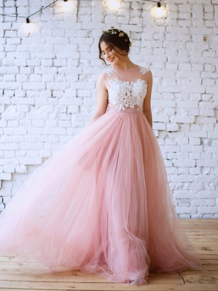 A-Line/Princess Sweep/Brush Train Applique Bateau Tulle Sleeveless Dresses