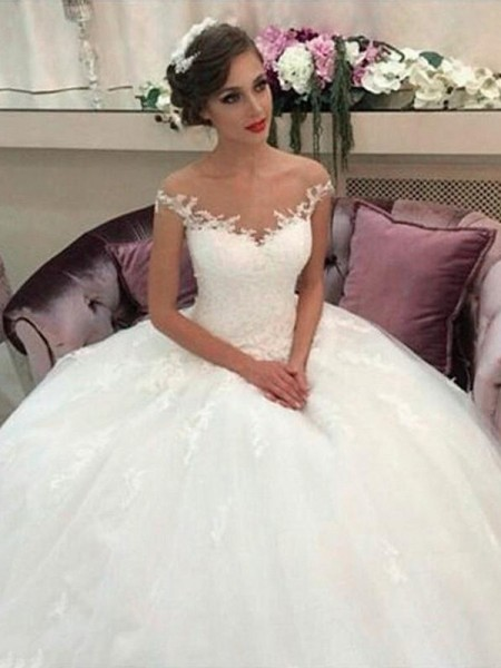 Ball Gown Off-the-Shoulder Sleeveless Tulle Court Train Wedding Dresses